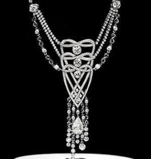 تا دوران اخیر با توجه به ممانعت از افشای راز این کانی گران قیمت، الماس از جمله جواهرات اسرارآمیز دبی محسوب میشود ...