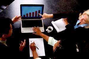 انطباق شغلی و کاهش نرخ بیکاری با اقتصاد اینترنتی