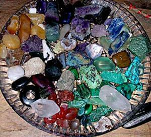 مراكز انرژی و سنگ درمانی (Crystal Healing)